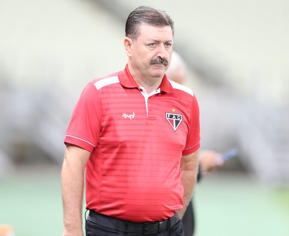 Leandro Campos concluiu sua temporada de 2019 como técnico do Ferroviário — Foto: Kid Júnior/SVM