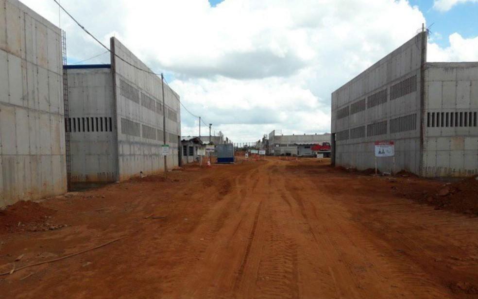 Obras paradas no Complexo Penitenciário da Papuda, em Brasília (Foto: Tiisa/Divulgação)