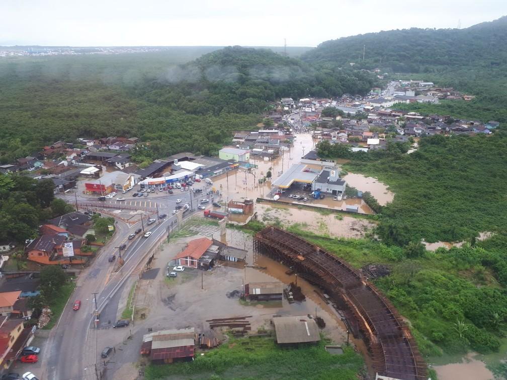 Vista aérea do Rio Tavares, em Florianópolis (Foto: Eveline Poncio/NSC TV)