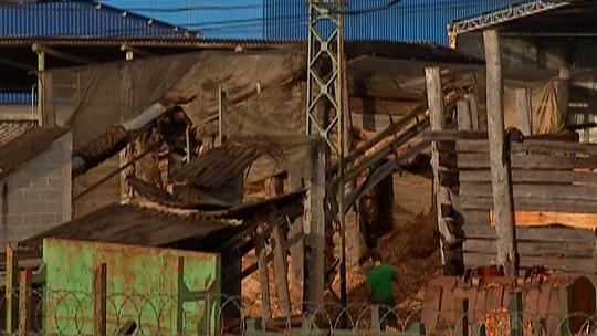 Moradores de Mogi das Cruzes reclamam do desconforto causado por uma madeireira