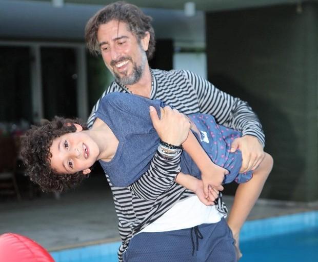 Marcos Mion e o filho caçula (Foto: Reprodução/Instagram)