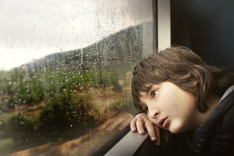 Depressão infantil é mais rara, mas existe (Foto: Pixabay)