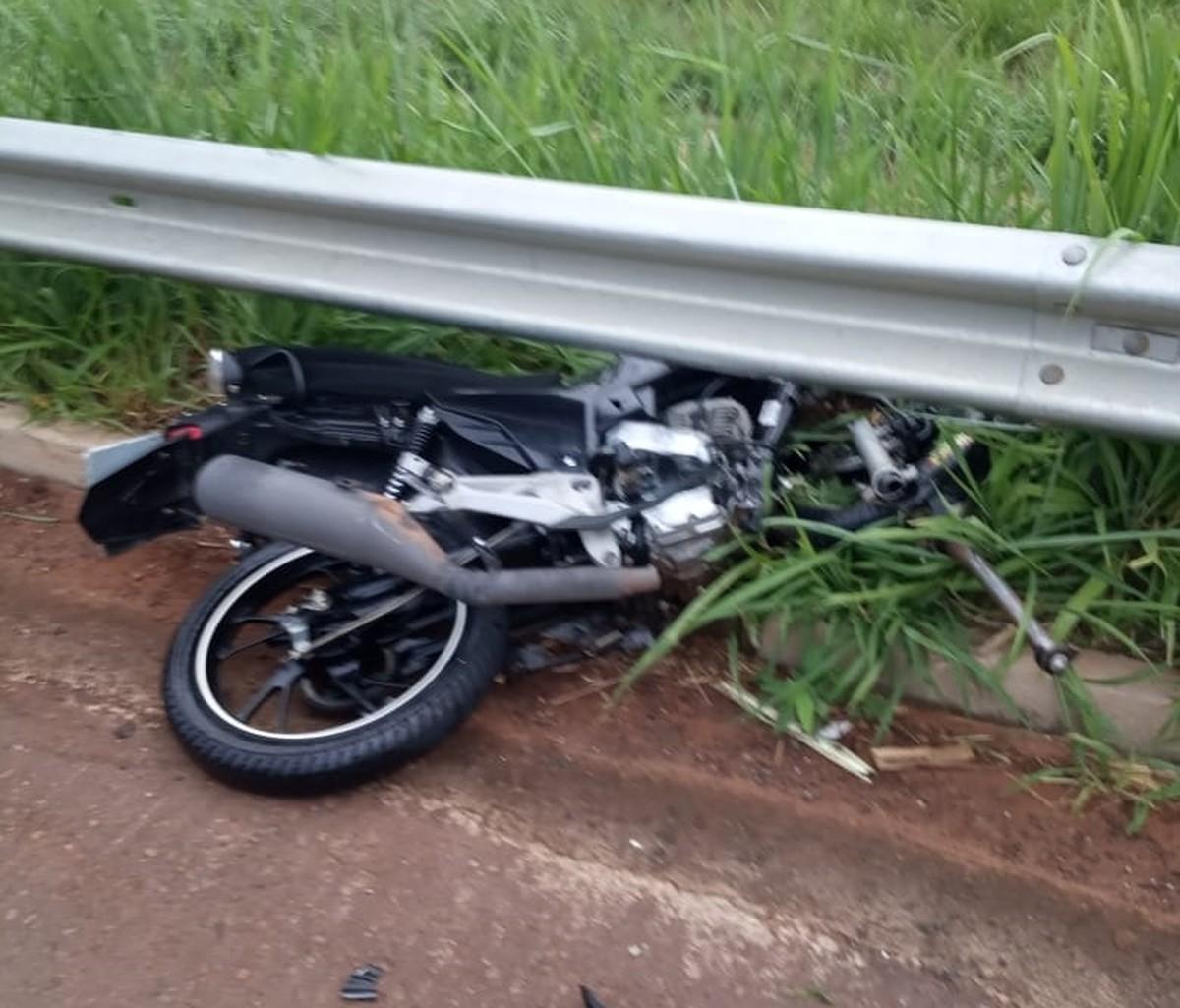 Motociclista morre em acidente na Rodovia Roberto Rollemberg em Buritama - G1