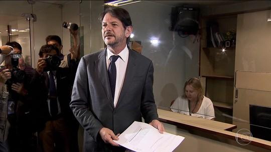 Câmara recebe quarto pedido de impeachment contra Michel Temer