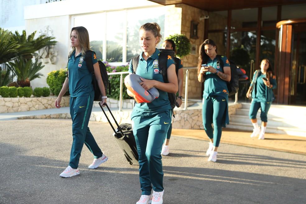 Jogadoras da seleção brasileira já estão na França — Foto: Rener Pinheiro / MoWA Press