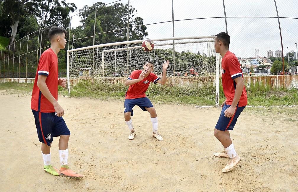 Brasileiros do Jorge Wilstermann passarão por período de testes na Bolívia — Foto: Marcos Ribolli