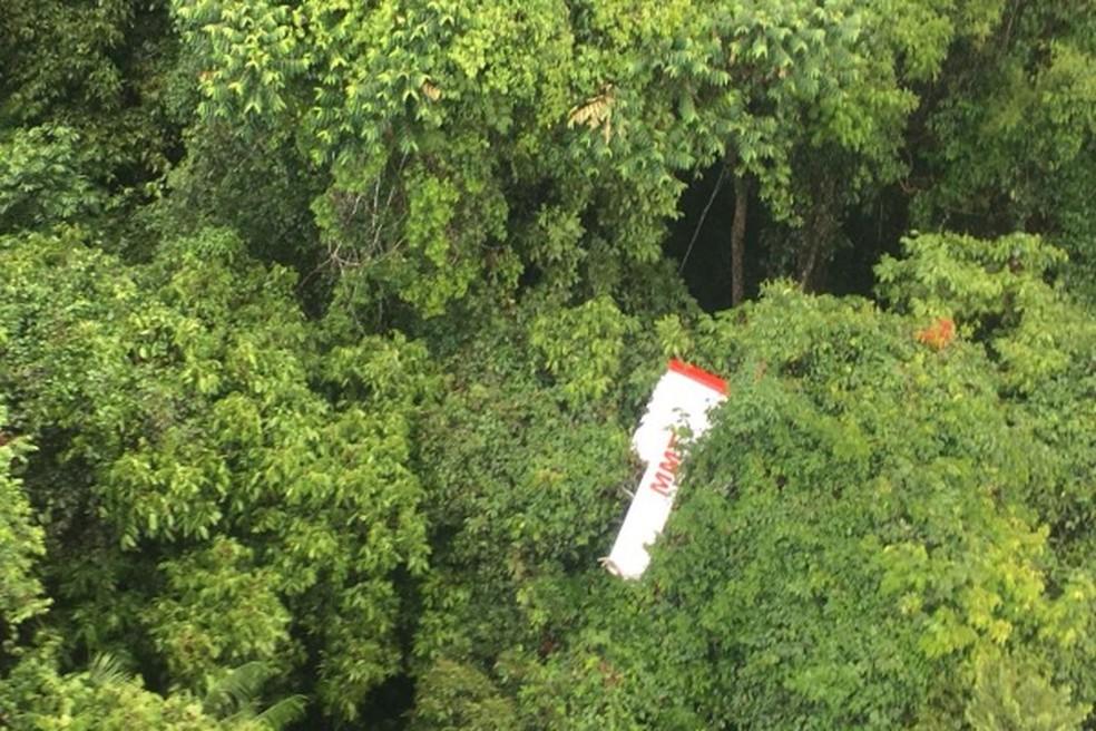 Vestígios do avião foram encontrados numa região de mata fechada a 24 km de Juruena (Foto: FAB/Divulgação)