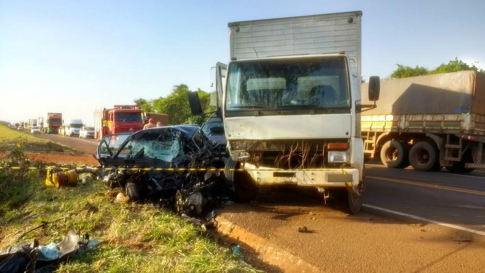 Outras três pessoas morreram no acidente na PR-445 (Foto: Junior Evangelista/RPC)