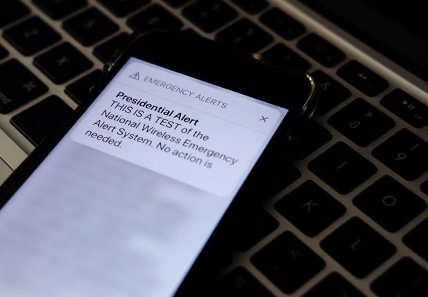Teste de alerta presidencial foi enviado a milhões de celulares nos Estados Unidos (Foto: Theo Wargo/Getty Images)