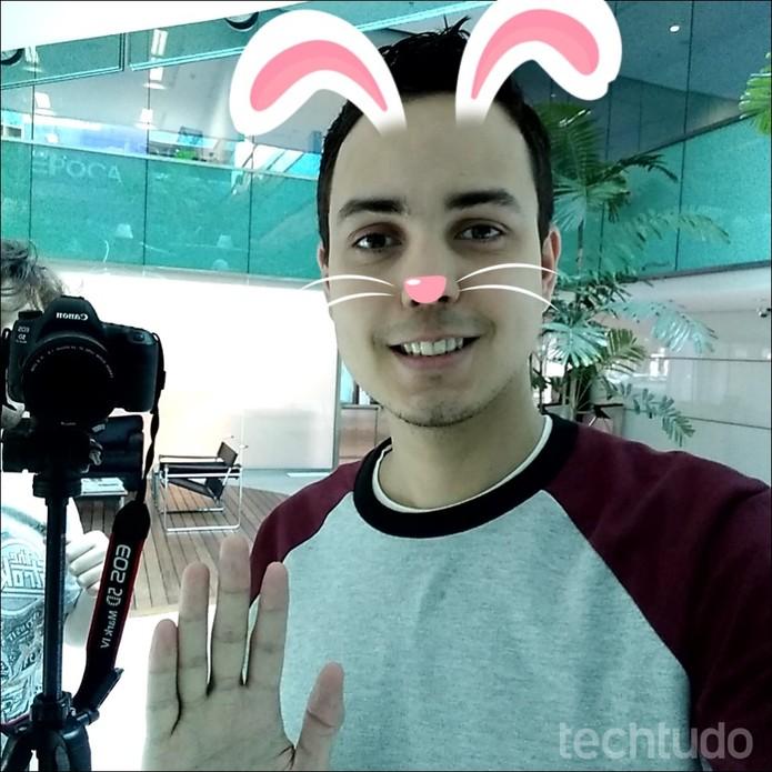 Ferramenta da Motorola adiciona stickers a selfie (Foto: Thássius Veloso / TechTudo)
