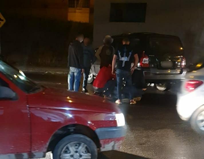 Batida entre carro e moto deixa duas pessoas feridas em Valença