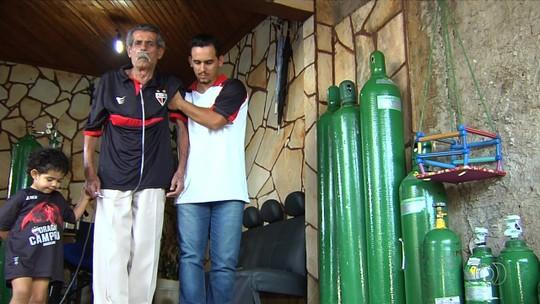 Morre torcedor do Atlético-GO que ficou famoso por ir ao estádio de cadeira de rodas e tubo de oxigênio