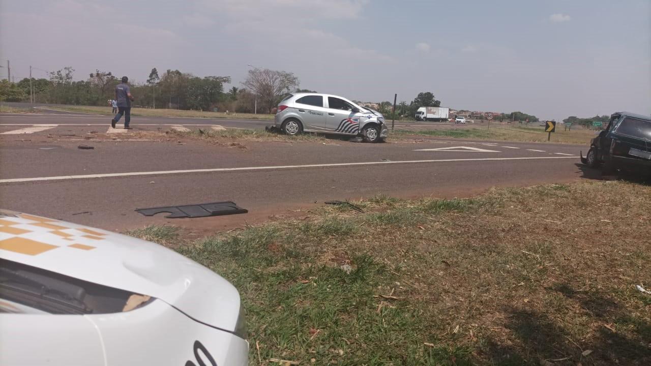 Carro oficial da Prefeitura de Monte Castelo envolve-se em acidente de trânsito com outros dois veículos na Rodovia da Integração