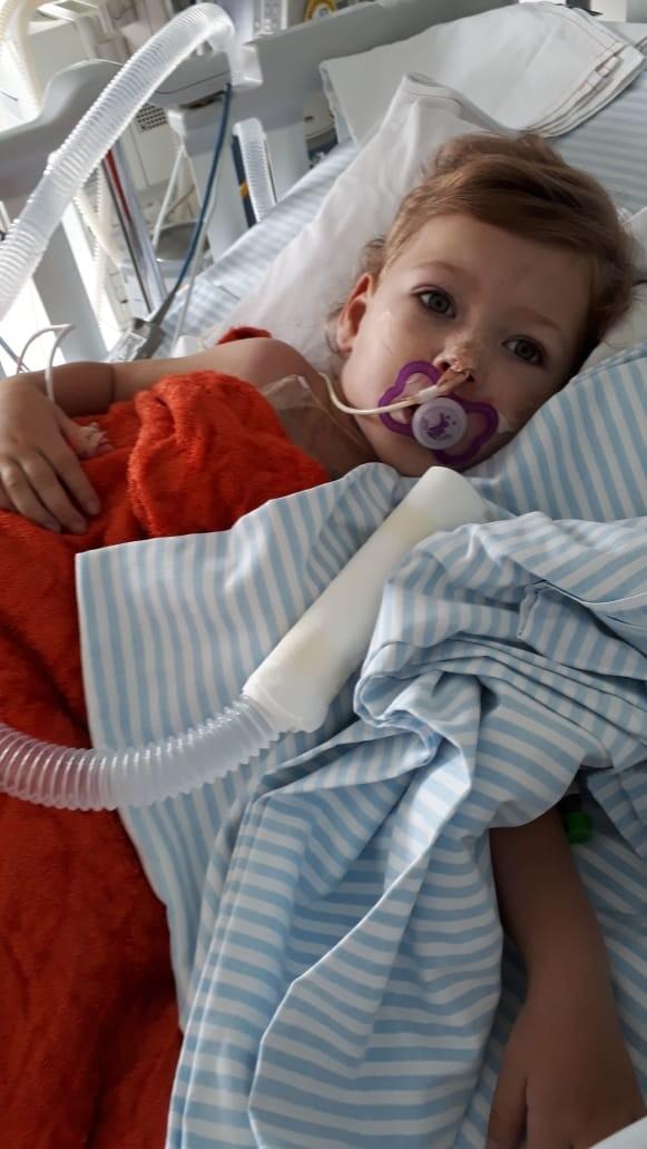 Menina de 3 anos sobrevive à 3ª cirurgia cardíaca, pega Covid-19 na sequência e se cura 21 dias depois