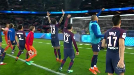 """Emery destaca força do vestiário parisiense: """"Posso olhar nos olhos de todos"""""""