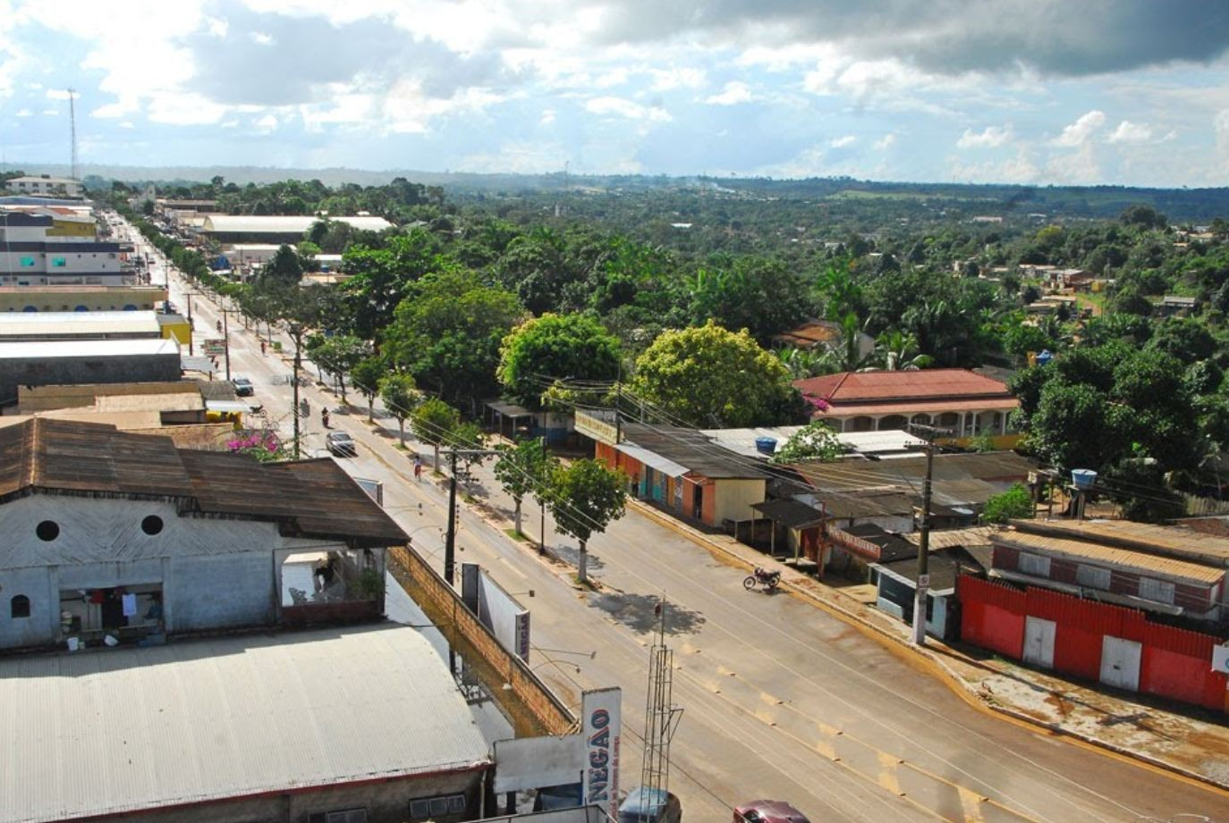 Lei proíbe corte de energia elétrica e água de moradores durante o final de semana e feriados em Epitaciolândia