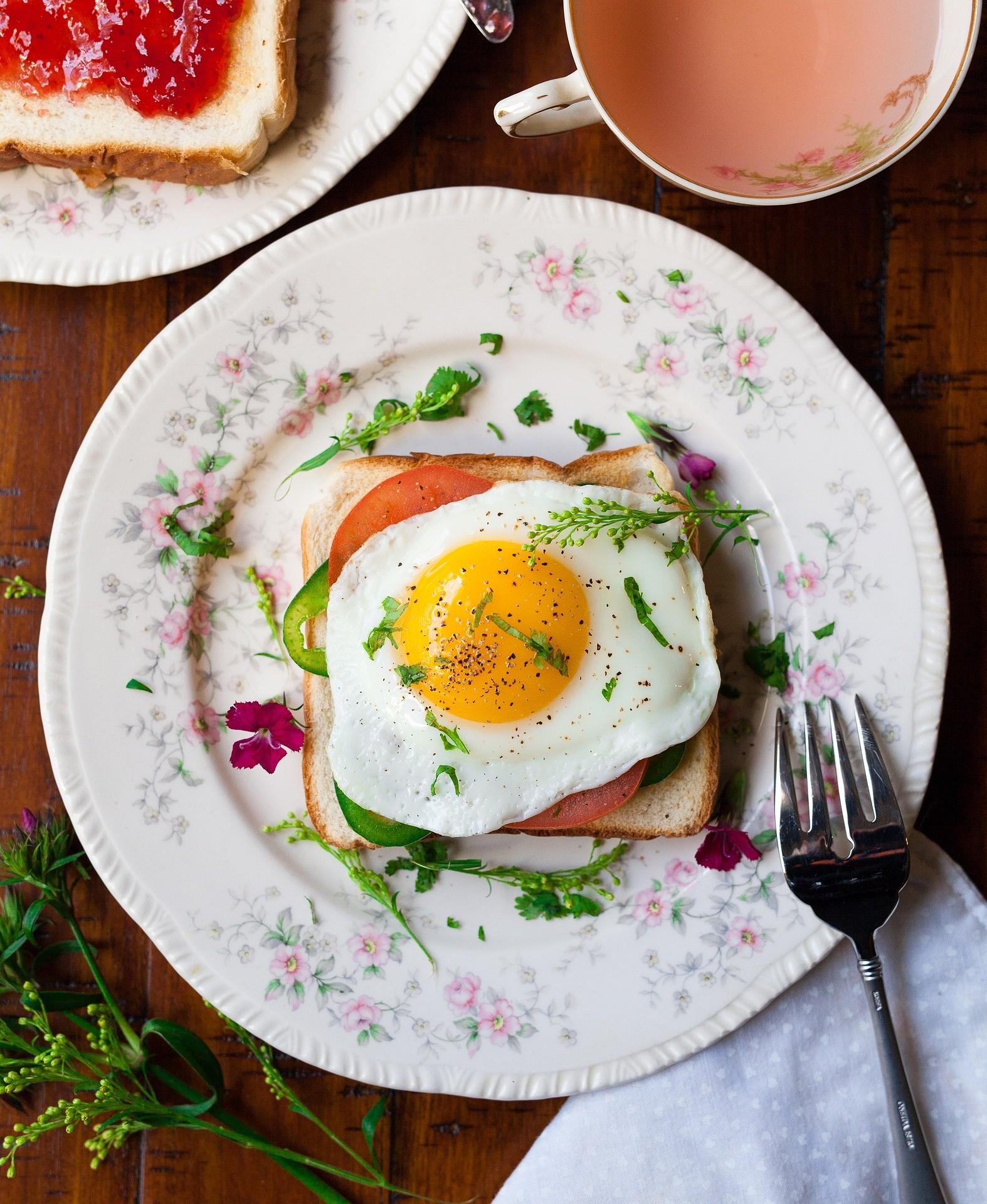 Consumir 300 miligramas de colesterol por dia aumenta em 3,2% os riscos de se ter uma doença do coração  (Foto: Pixabay)