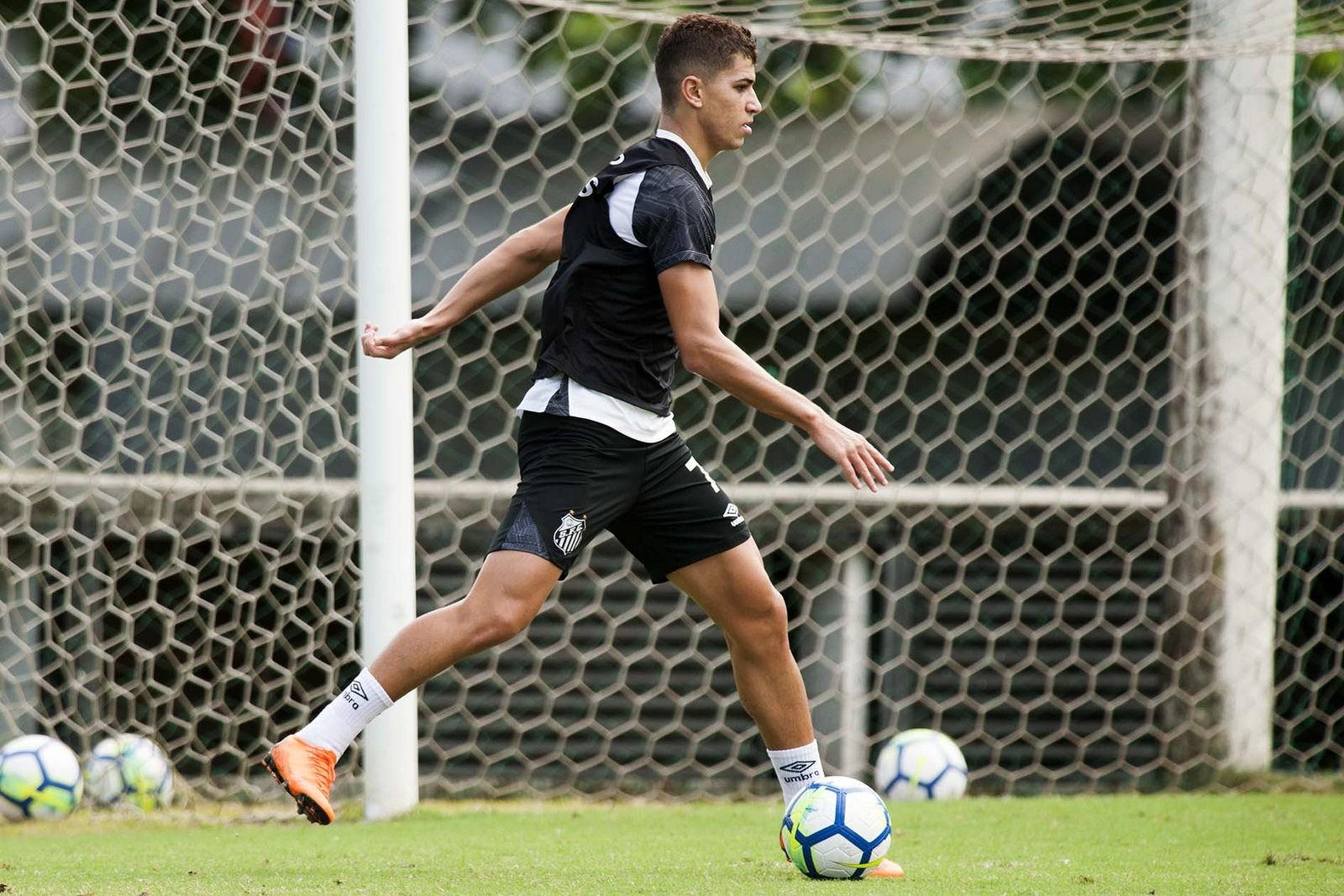 eadf55b9d1 O último treino do Santos antes de enfrentar o Luverdense