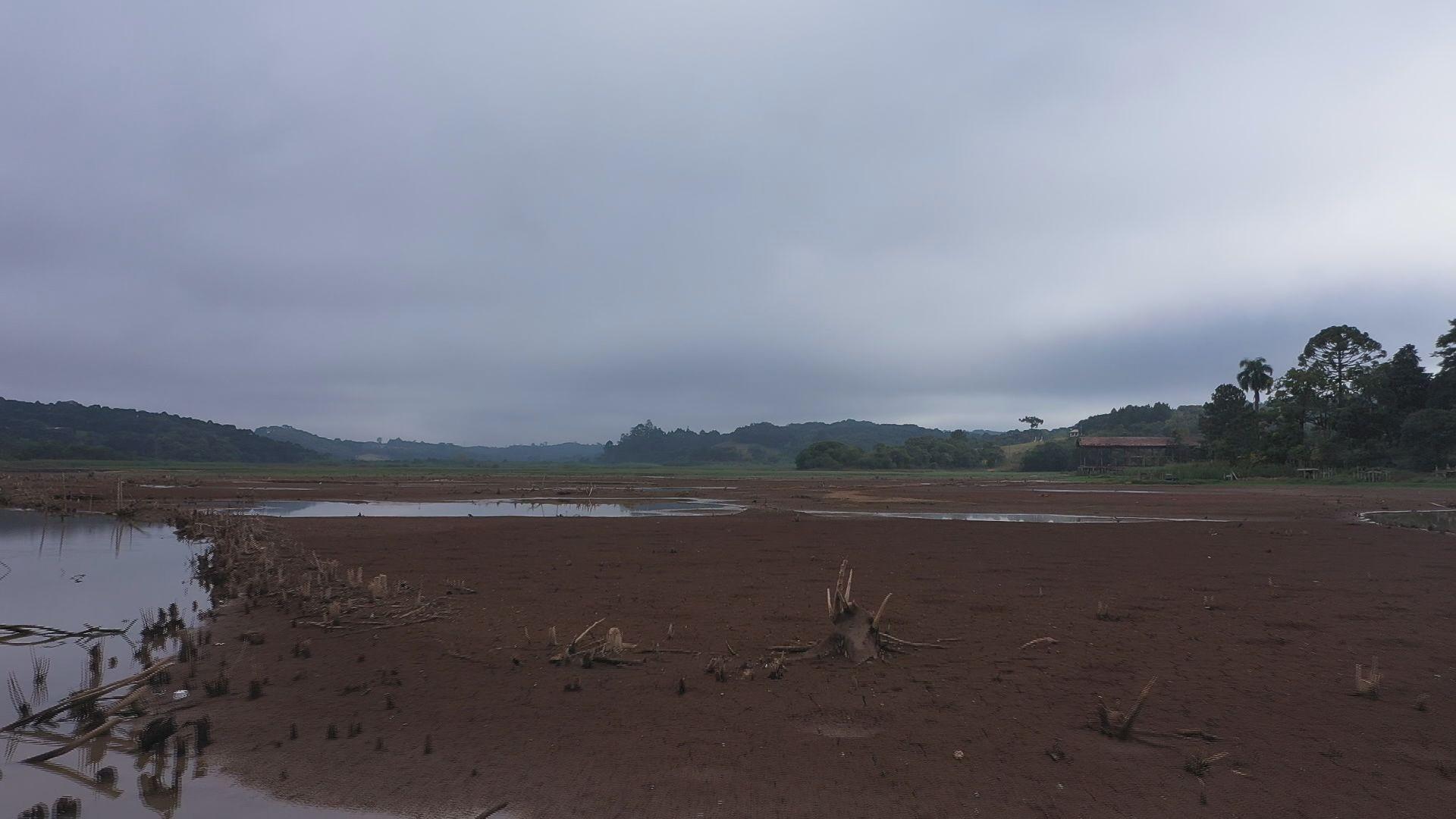 Estiagem mais severa reduziu no Paraná em maio, mas emergência hídrica continua, diz governo estadual