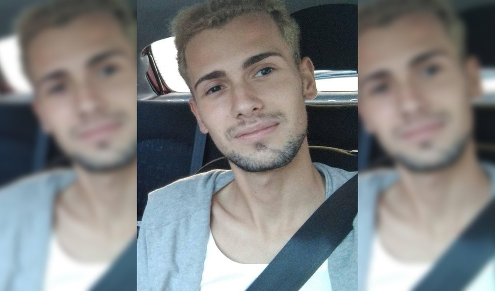 Samuel Luiz Muñiz, auxiliar de enfermagem de 24 anos que nasceu no Brasil, foi espancado até a morte ao sair para fumar em frente a uma balada em La Coruña, no noroeste da Espanha — Foto: Montagem G1/ Reprodução Facebook