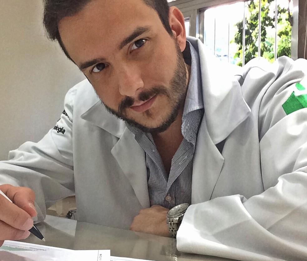 Rodrigo concilia rotina nos consultórios e palcos em Poços de Caldas (MG) (Foto: Arquivo Pessoal)