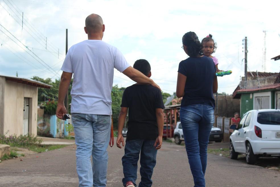 Karen e sua família passarão o fim de ano em Porto Velho.  — Foto: Pedro Bentes/G1