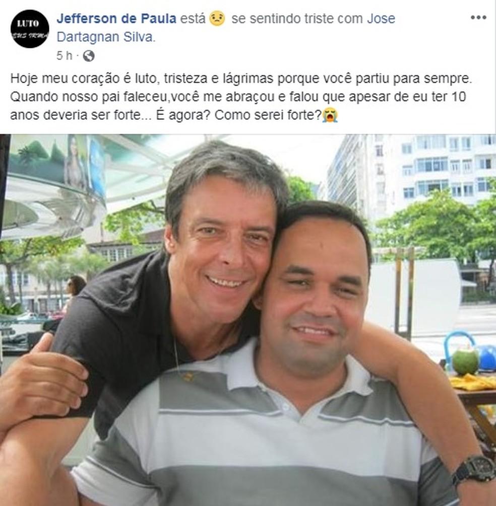 O irmão do ator lamentou a morte nas redes sociais — Foto: Reprodução