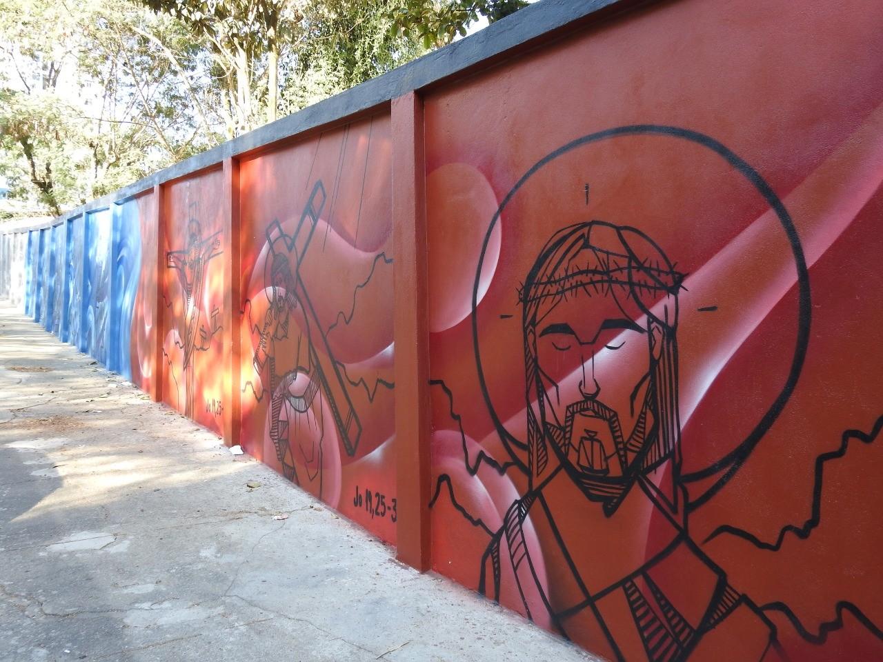 'Quebra de paradigma': artistas em Juiz de Fora comemoram repercussão de mural grafitado com cenas religiosas - Notícias - Plantão Diário