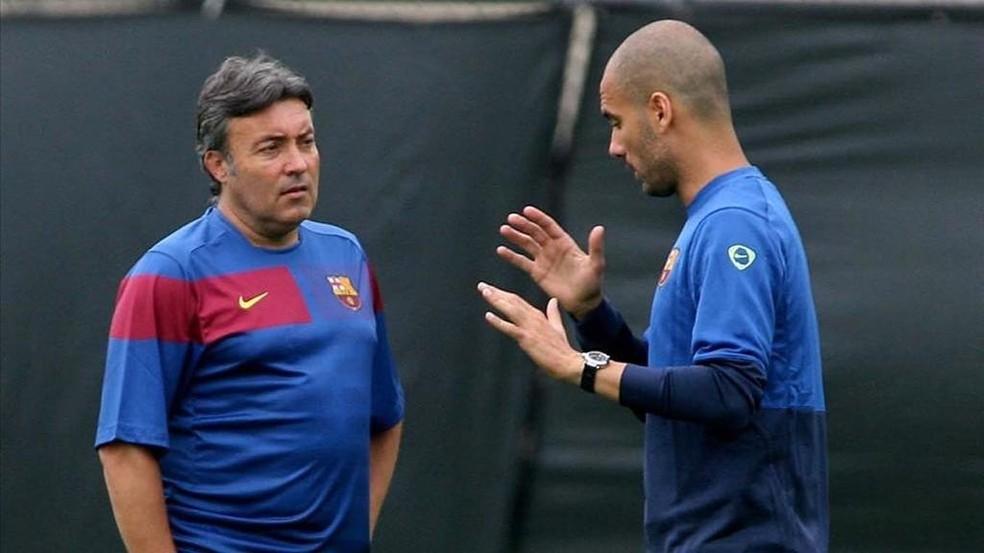 Domènec Torrent e Guardiola, no Barcelona, em 2011 — Foto: Miguel Ruiz/FC Barcelona