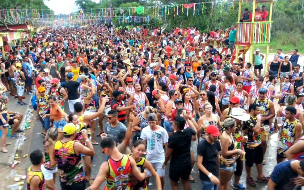 Carnaval de Mâncio Lima em 2017 foi realizado no porto da cidade e agitou foliões  (Foto: Gledisson Albano/Arquivo pessoal)
