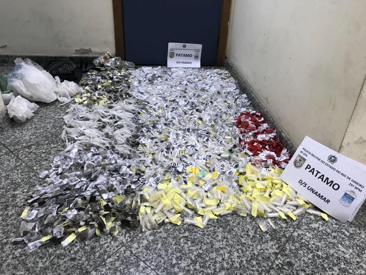 Chefe do tráfico é detido com quase 1.600 mil cápsulas de cocaína e cerca de 1 mil buchas de maconha em Cabo Frio, no RJ