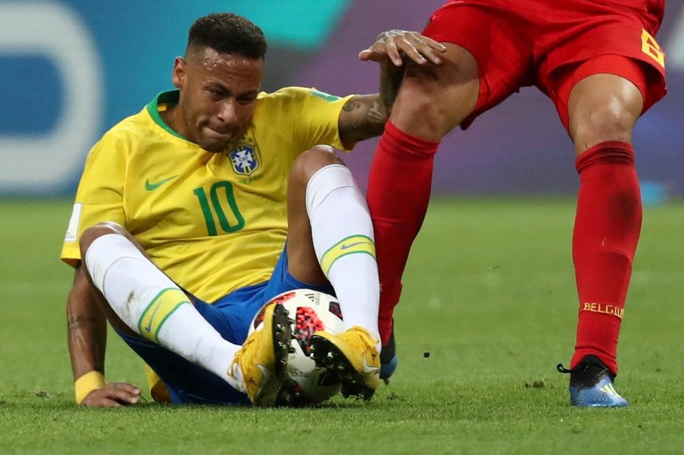 Neymar teve atuação muito apagada contra a Bélgica (Foto: Sergio Perez/Reuters)