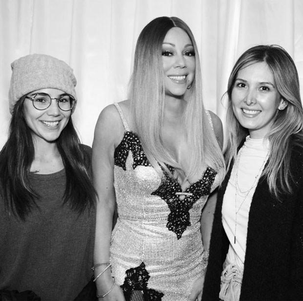Camila Sodi com Mariah Carey e uma amiga (Foto: Reprodução)