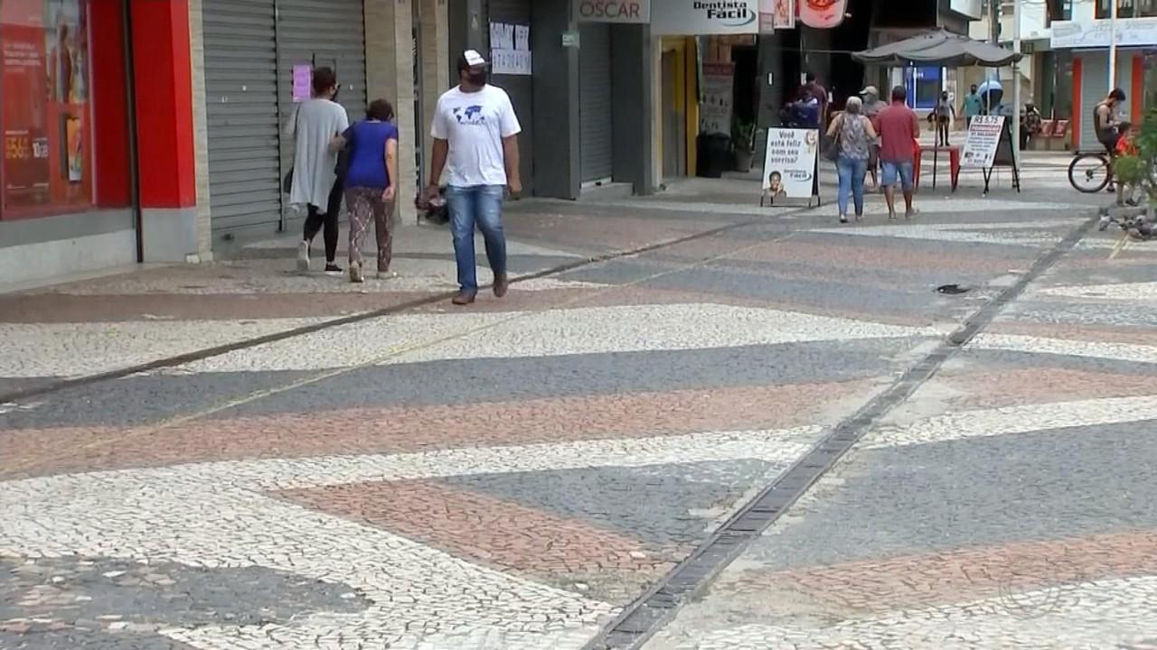 Clientes e comerciantes de Araçatuba se adaptam às regras da fase vermelha do Plano SP