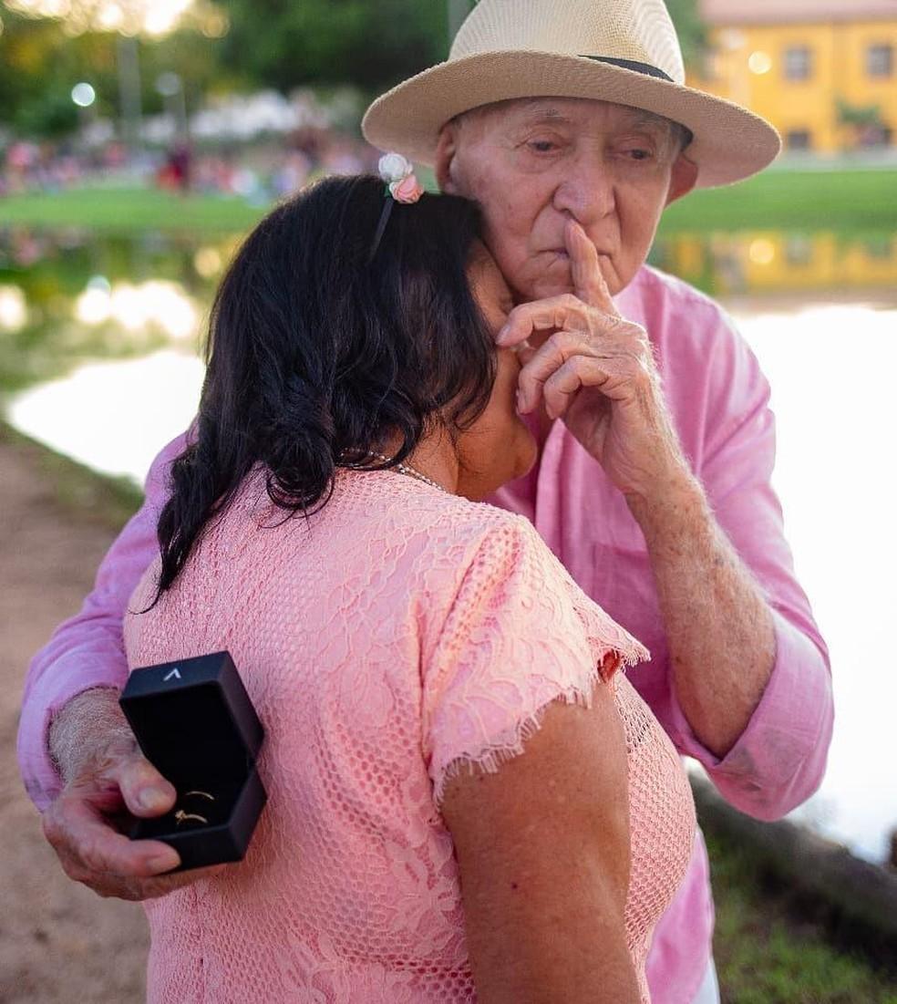 Ariolino pediu Francisca em casamento após 40 anos de união — Foto: Arquivo Pessoal