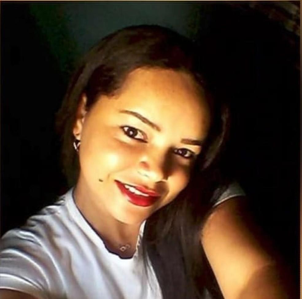 Teresa Raquel tinha 30 anos e foi morta dentro da própria casa, em Natal — Foto: Reprodução/Inter TV Cabugi