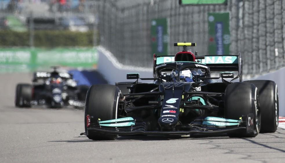 Valtteri Bottas é o mais rápido do segundo treino livre do GP da Rússia — Foto: Sergei Fadeichev\TASS via Getty Images