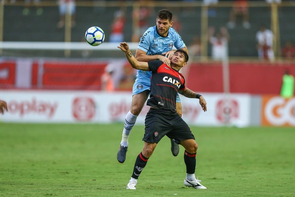 Kannemann voltou ao time no empate contra o Vitória — Foto: Lucas Uebel/Grêmio/Divulgação