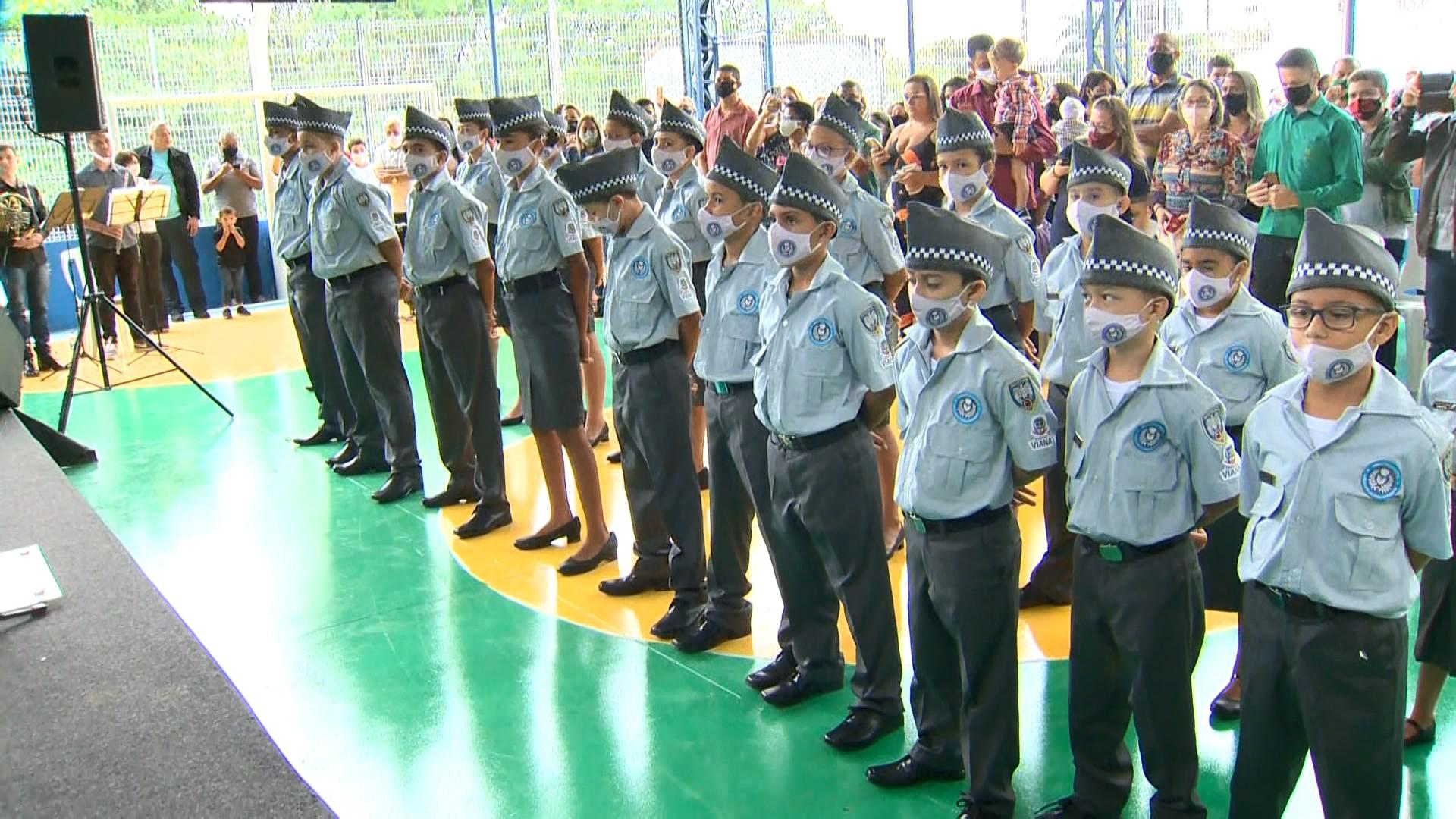MEC prevê adesão de mais 54 escolas ao modelo cívico-militar em 2021