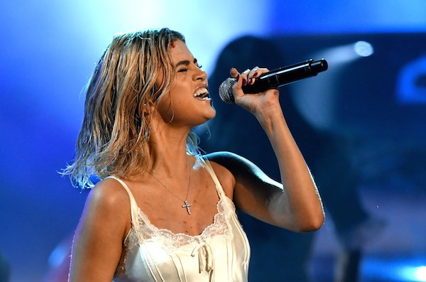 A cantora  Selena Gomez durante sua apresentação no 2017 American Music Awards  (Foto: Getty Images)