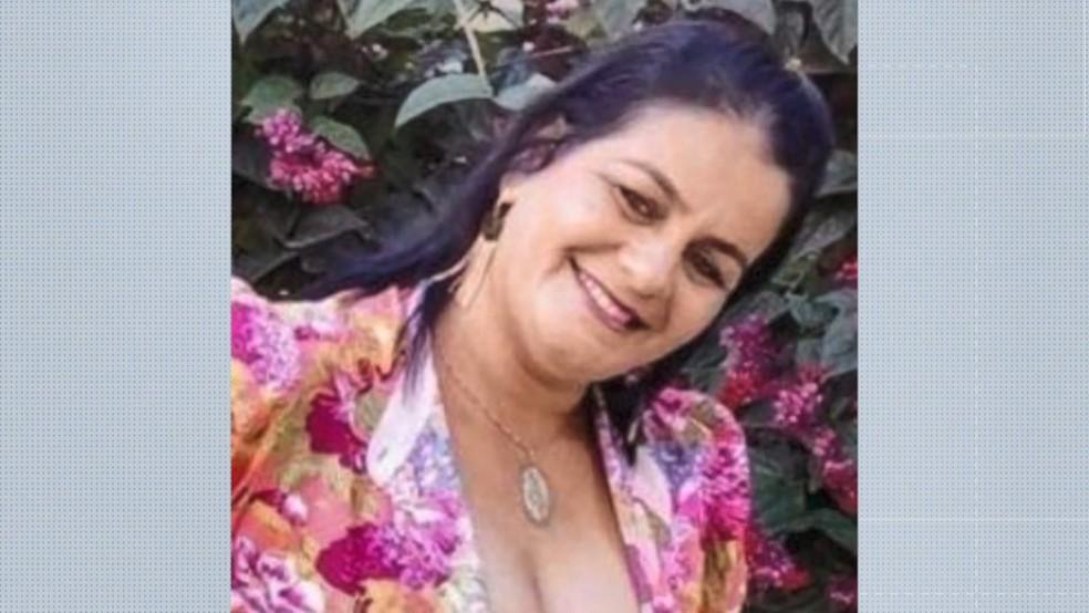 Elisângela Oliveira, de 46 anos, morreu no acidente de carro no Noroeste do ES — Foto: Reprodução/TV Gazeta
