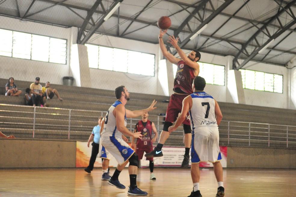 Saldanha da Gama x Instituto Ares, pela Copa ES de basquete 2018 (Foto: Sidney Magno Novo/GloboEsporte.com)
