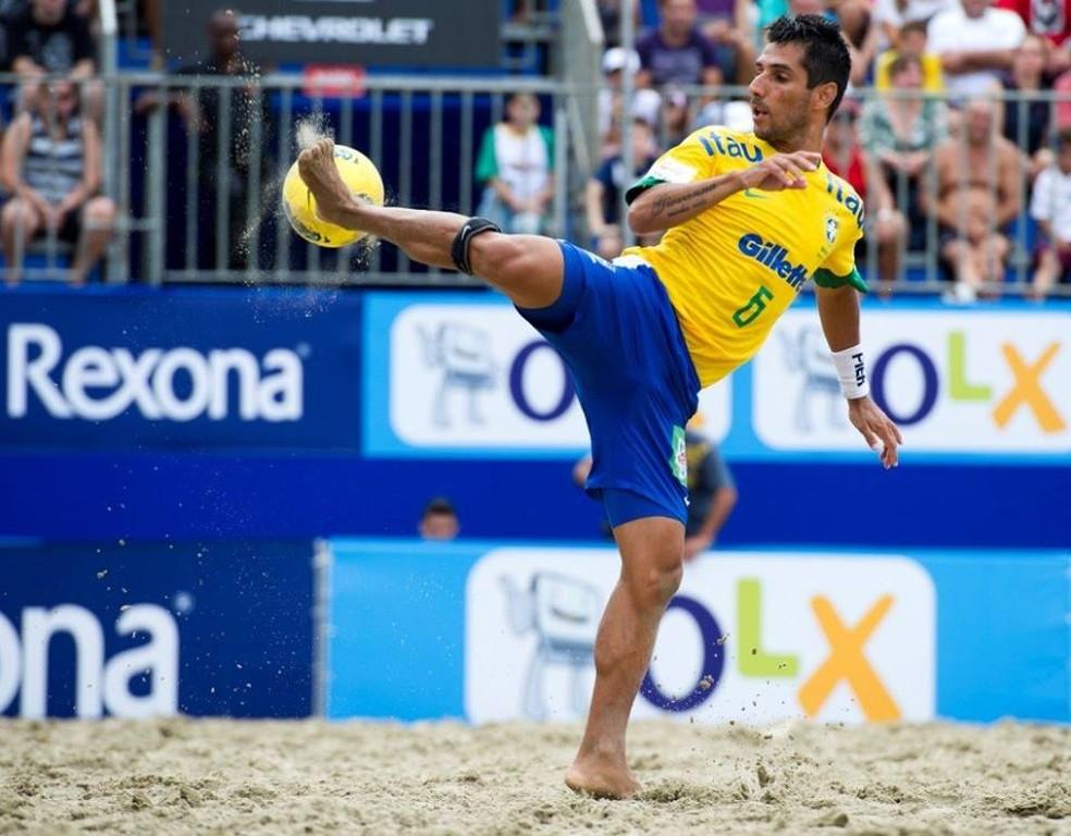 Jorginho em ação pela seleção: três vezes melhor do mundo — Foto: Divulgação/Beach Soccer Brasil