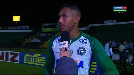 David Duarte comemora gol da vitória e entrada do Goiás no G-4 da Série B
