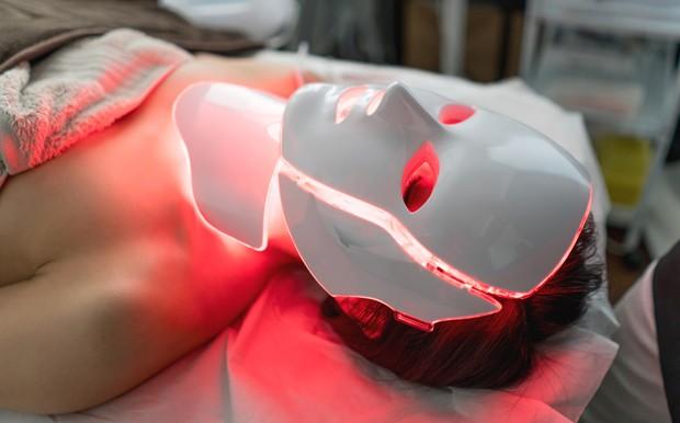 Peeling nuclear é tratamento ideal para cuidar da pele no outono (Foto: Getty Images)