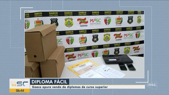 Duas pessoas são presas em operação que combate venda de diplomas em Lages