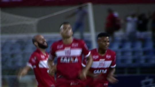 Com 22 gols, Neto Baiano fica no top 5 dos artilheiros do Brasil da temporada