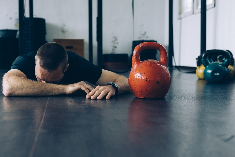 Excesso de exercício só vai trazer problemas aos atletas (Foto: Istock)