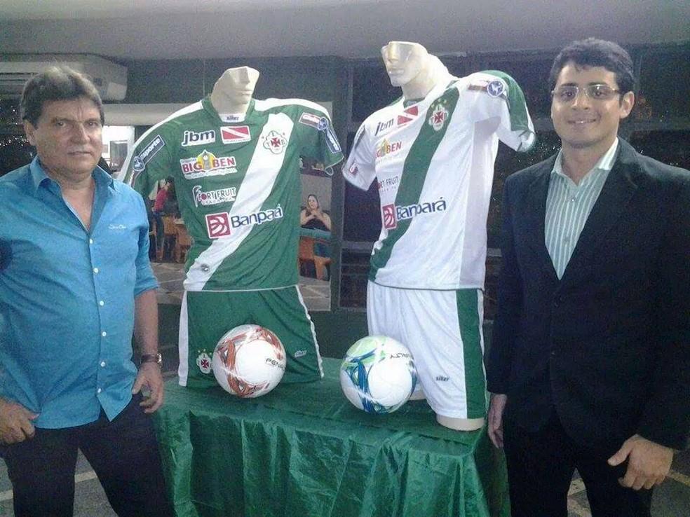 Técnico Zé Carlos ao lado do então diretor de futebol da Tuna, Fred Carvalho — Foto: Divulgação