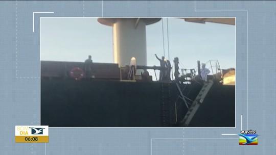 Justiça determina a liberação de africanos presos em navio no Maranhão